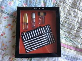 Estee launder perfume gift set *3 plus coin purse