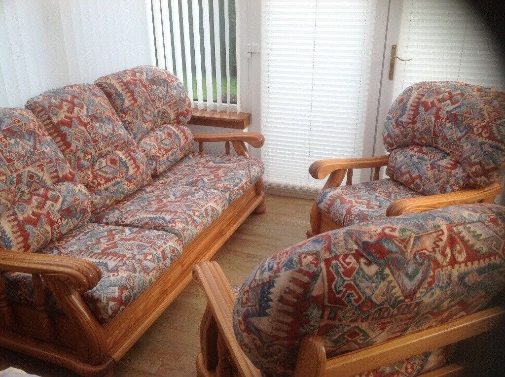 Three Piece Conservatory Suite in great condition.