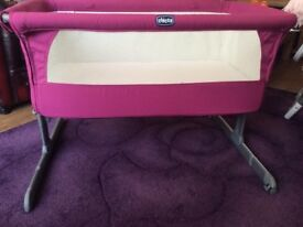 Chicco Next 2 Me Bedside Crib in Pink includes mattress