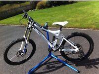2007 Ironhorse Sunday MK2 - Downhill Mountain Bike - Great Condition