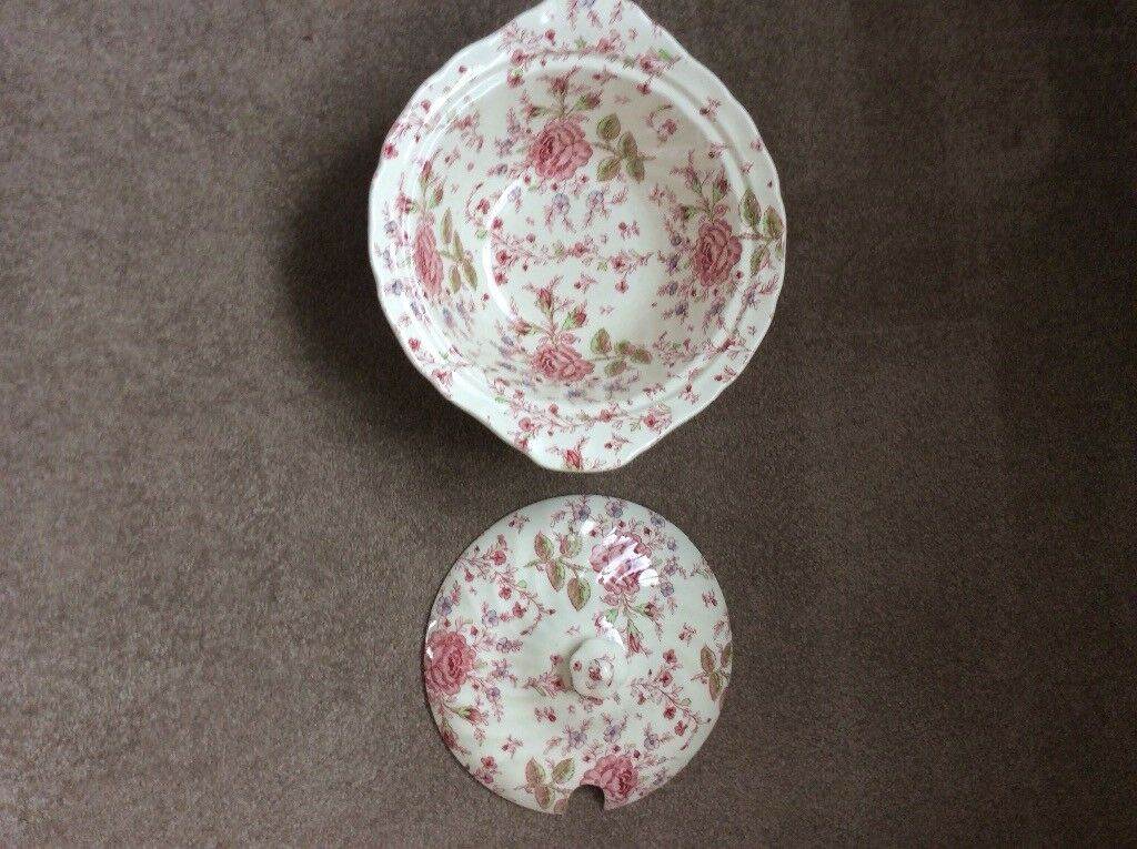 Rose Chintz serving dishes by Johnson Bros, two dishes / bowls with lids ..... £15 for the two .....