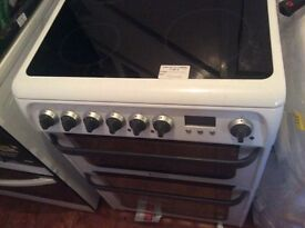 Hot point ceramic cooker new 60 cm white and silver handles and knobs