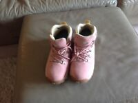 Ladies Northwest walking boots size 5 pink....only worn once...waterproof...laced..as new..