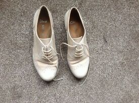 Ladies cream lace up shoes Clarks softville size 4
