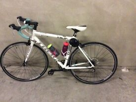 Fabulous Trek Lexa Women's Road Bike (Good as New)