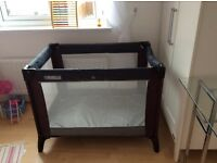 Mama & Papas travel cot