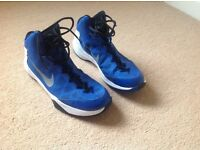 Basketball boots - adult size 9