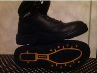 Dunlop leather safety boots