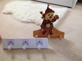 Childrens Wooden Hangers (brand new)