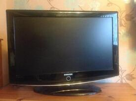 """Samsung 32"""" Television working but has fault."""