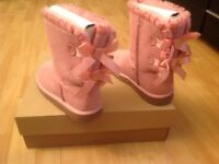UGG PALE PINK LIMITED ADITION BOOTS SIZE UK 3
