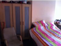 Spacious 4 Bedroom House Available Immediately in NG7 close to City Centre, QMC, Nottingham Uni