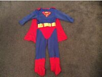 Dressing up costume Superman in a size 3-4 years in good condition (a few pulls from the Velcro)