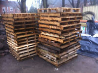 wooden pallets in satisfactory condition