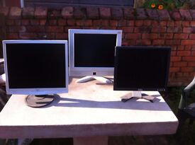 "Flatscreen monitors 15"" to 17"" (various brands)"