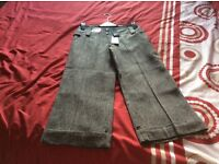New with tags lady's 3/4 trousers size 8