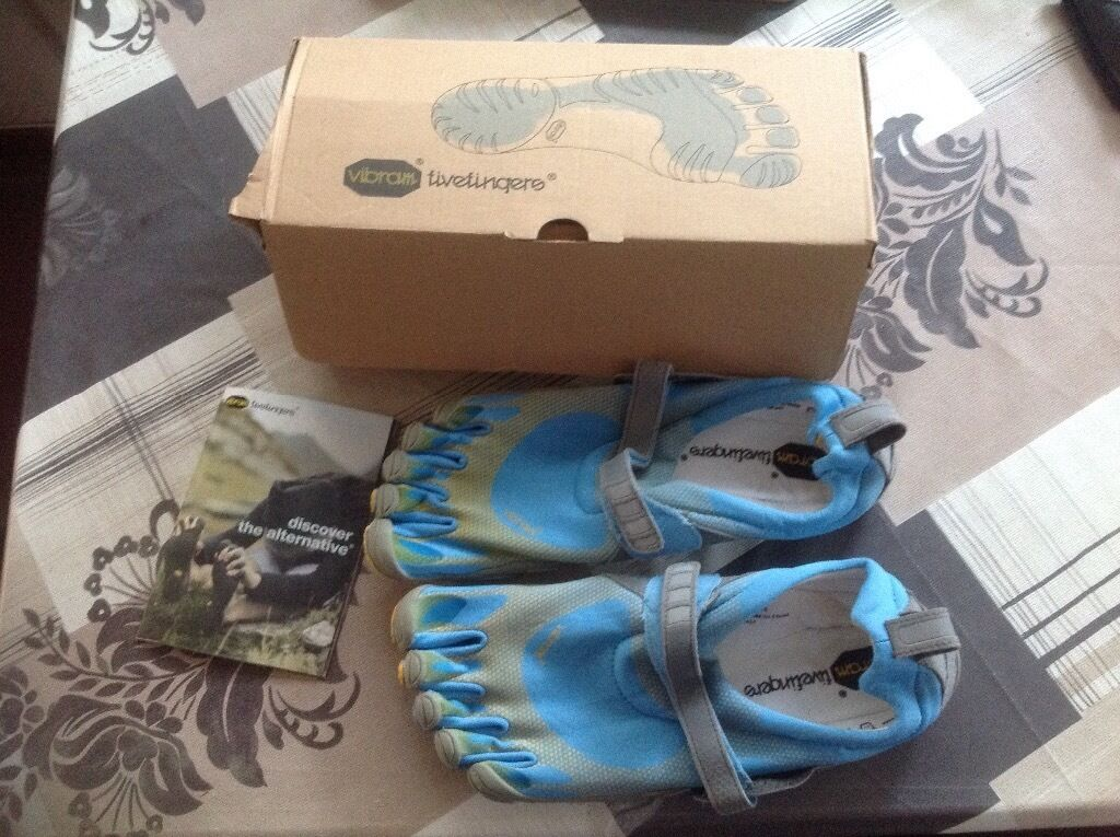 Vibram five fingers mens running shoes m116c sprintin CaerphillyGumtree - Vibram five fingers mens running shoes. New in original box. Bought but unable to use. Size 45 m116c sprint navy/blue/camo. Buyer to collect