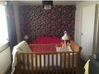 1 bedroom flat in London (manor park) looking to swap for a 2-3 bedroom house