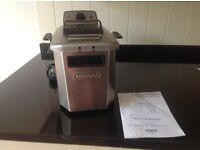 Delonghi deep frier - very good condition