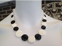 Necklace. BNWT. Black and Cream / Off White. Costume jewellery.