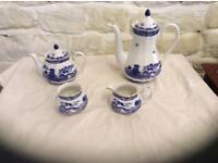 Willow pattern tea & coffee set by Wade Ceramics