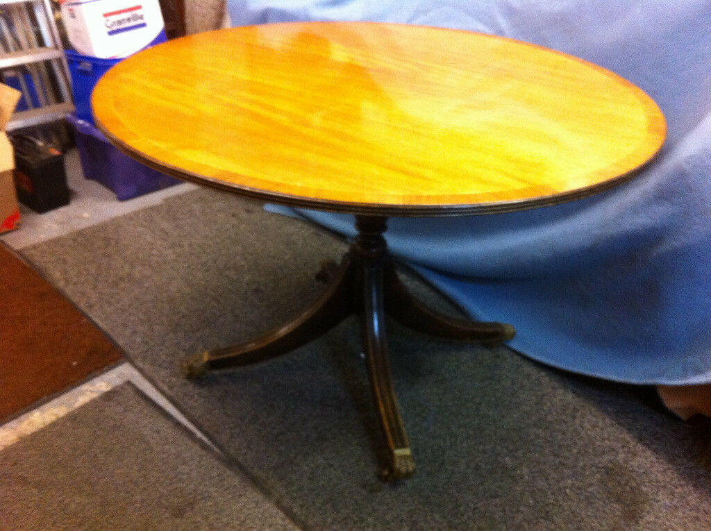 Light wood round dining table