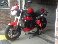 1Jac Motorbike Lift (The New Paddock Stand) Already set for Triumph Speed Triple