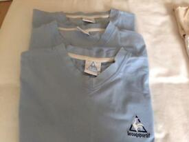 3 X V-neck T-shirts size medium - le coq sportif