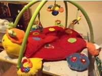 Mamas and papas Lottie playmat with sounds and lights