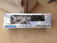 Radio control helicopter never been flown still in box £20