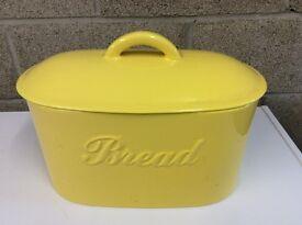 High Quality Ceramic Bread Bin & Gas Hob Kettle