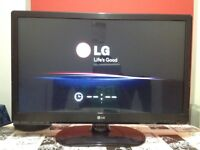 LG 32 Inch HD Ready LED TV with Built in Freeview, great condition