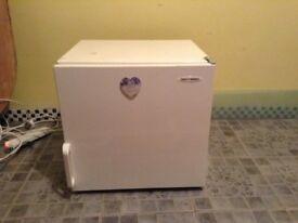 Fridge freezer mini Can deliver