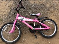 Two girls pushbikes for sale age 7/8 £10 each