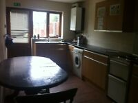 Room to Let in Thorneywood - DSS Welcome