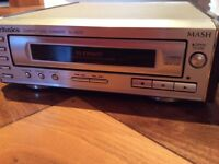 Compact Stereo with Speakers (Technics)