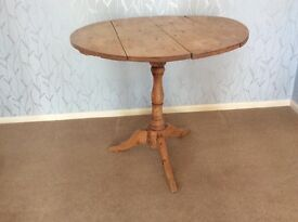 Pine folding table antique waxed