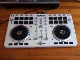 Numark Mix Track Pro II 2 - White