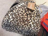 Cat igloo leopard print