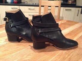 Womens boots size 41