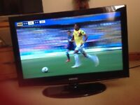 Samsung TV 32inch with stand