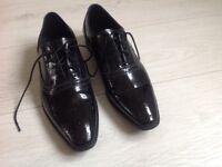 Mens black Versace shoes. Size 7