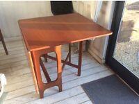 Retro / vintage Gate leg folding table