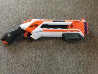 Nerf Elite Roughcut 2x4 gun