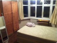 A NICE DOUBLE BEDROOM TO RENT IN PALMERS GREEN ,THE LARCHES N13 5QE...!