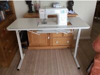Arrow Folding Sewing Machine Table Craft/Hobby table fully collapsible