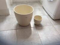 2 x Garden pots