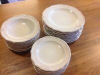24 piece dinner set, dinner plates, side plates, bowls