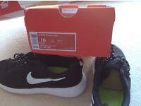 Nike Womens Roshe Run Trainers size 9.5