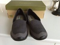 New Ladies Hotter Shoes size 5.5 with box.